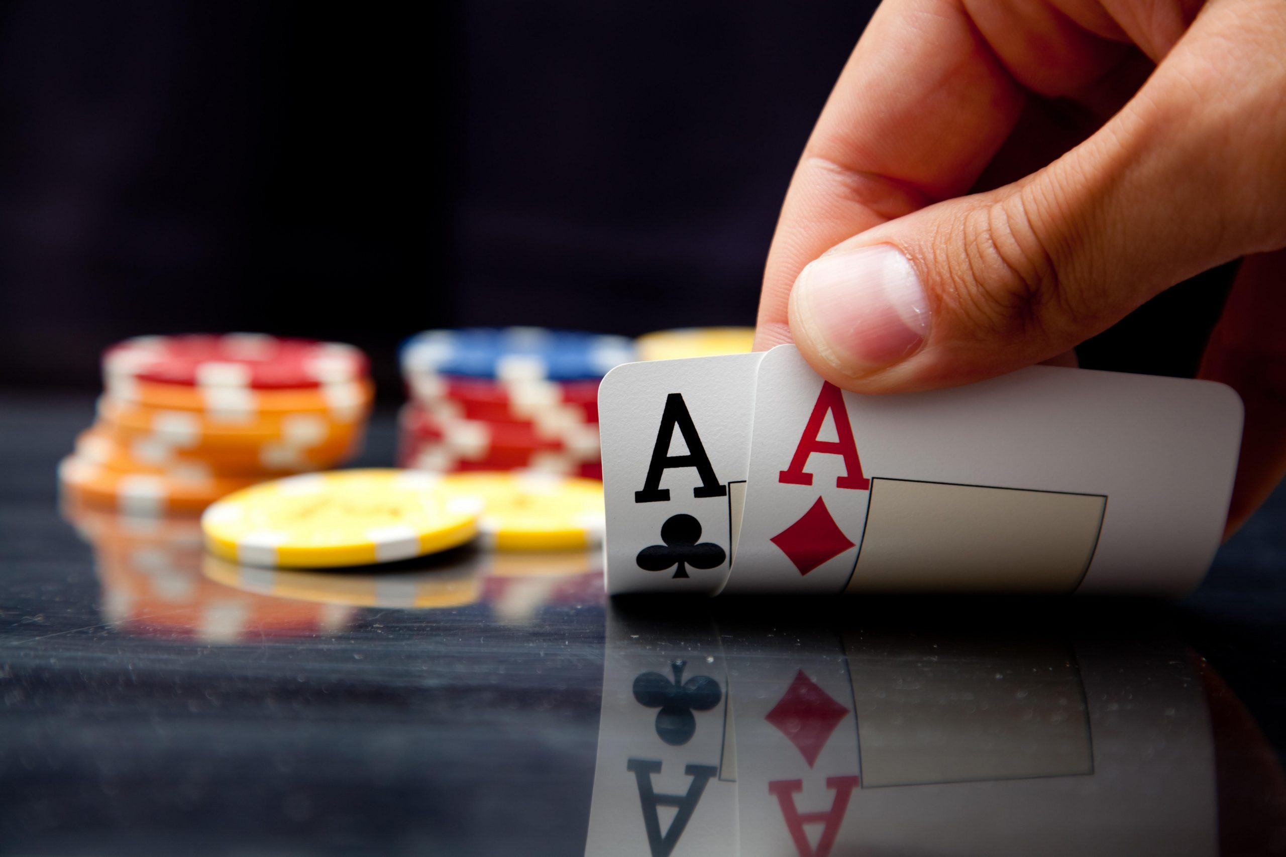Why most people are started to suggest online pokies game?